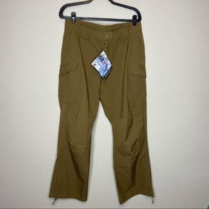 NWT WILD THINGS Tactical Gear Pants Large